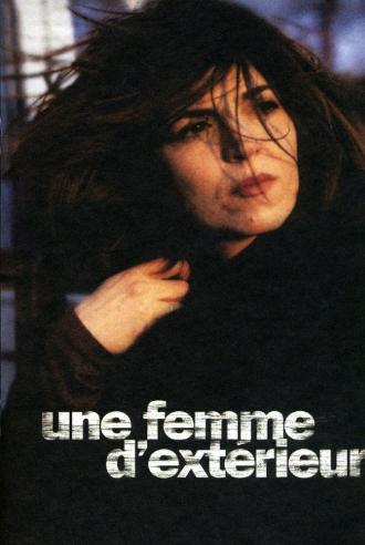 UNE FEMME D'EXTERIEUR